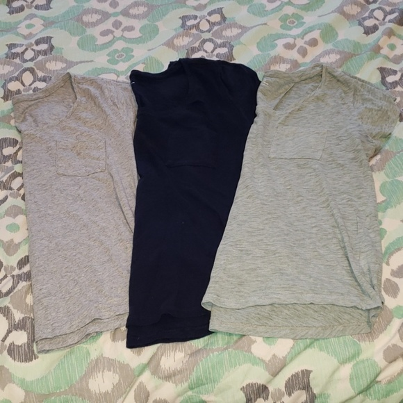 GAP Tops - Set of Three Short Sleeve Gap Pocket Tees